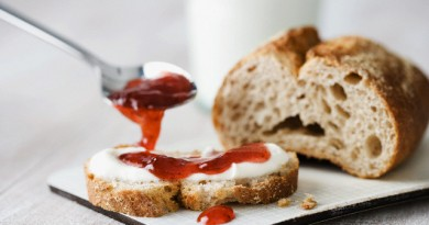 Whole wheat bread with cream cheese and jam --- Image by © John Smith/Corbis
